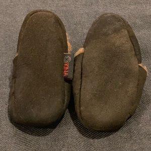 Nui Shoes - My fav newborn mocs: Nui Kina Lamb booties